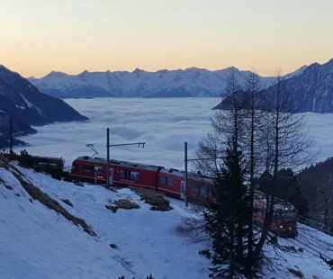 Sunrise to Alp Grum